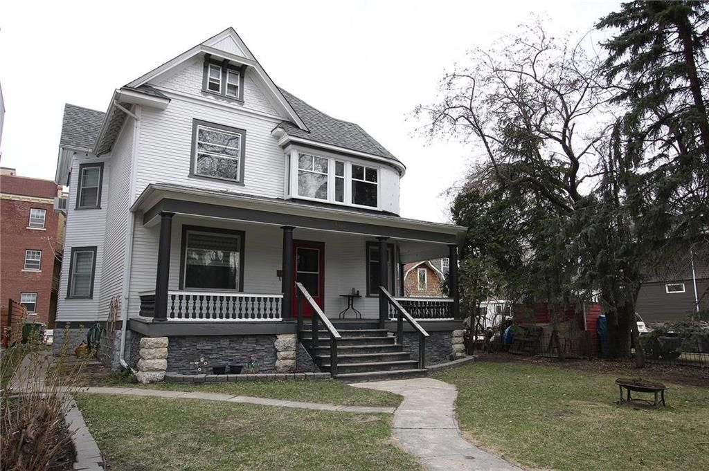 Main Photo: 603 Gertrude Avenue in Winnipeg: Crescentwood Residential for sale (1B)  : MLS®# 202110005