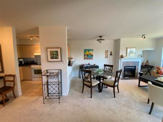 """Photo 2: 403 5855 COWRIE Street in Sechelt: Sechelt District Condo for sale in """"THE OSPREY"""" (Sunshine Coast)  : MLS®# R2581571"""
