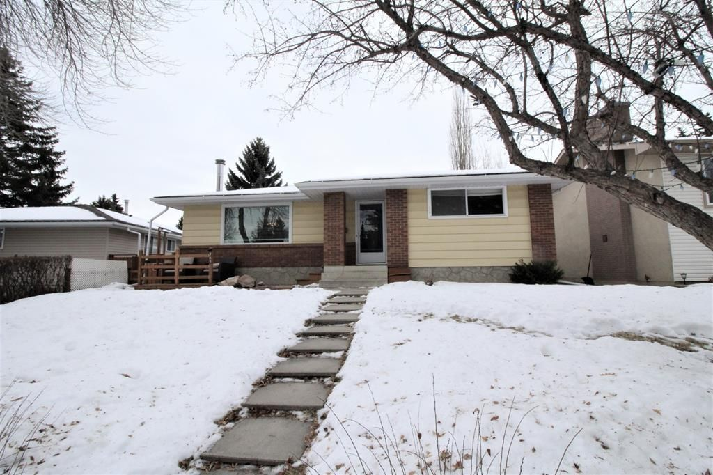 Main Photo: 707 Canfield Place SW in Calgary: Canyon Meadows Detached for sale : MLS®# A1063933