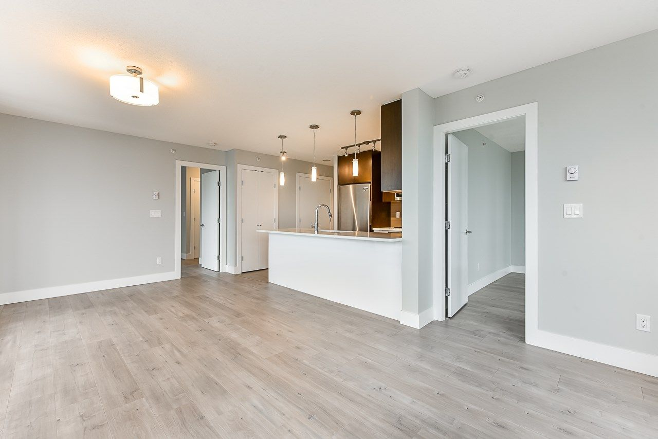 Main Photo: 1606 7325 ARCOLA Street in Burnaby: Highgate Condo for sale (Burnaby South)  : MLS®# R2532087