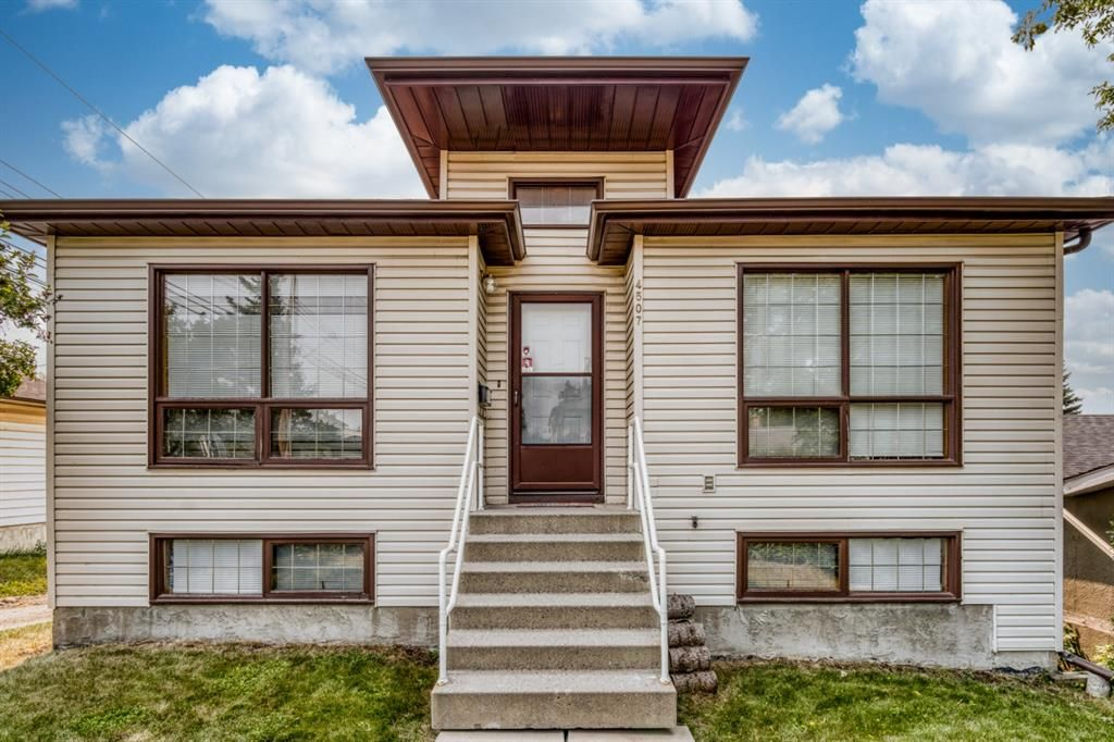 Main Photo: 4507 37 Avenue SW in Calgary: Glenbrook Detached for sale : MLS®# A1133077