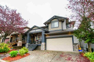 Photo 1: 21654 89A Avenue in Langley: Walnut Grove House for sale : MLS®# R2414875