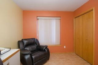 Photo 15: 205 Elm Drive in Oakbank: Single Family Detached for sale : MLS®# 1428748