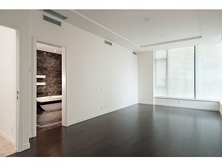 """Photo 10: 1125 W CORDOVA Street in Vancouver: Coal Harbour Townhouse for sale in """"HARBOUR GREEN 3"""" (Vancouver West)  : MLS®# V1041476"""