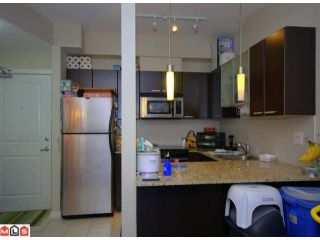 """Photo 4: 115 10499 UNIVERSITY Drive in Surrey: Whalley Condo for sale in """"D'Cor"""" (North Surrey)  : MLS®# F1107560"""