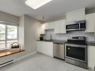 Photo 9: 132 6588 SOUTHOAKS Crescent in Burnaby: Highgate Townhouse for sale (Burnaby South)  : MLS®# R2600972