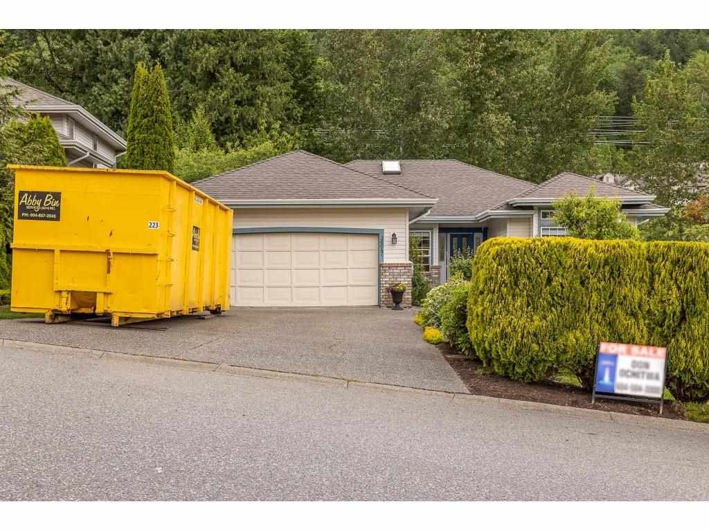 Main Photo: 36047 EMPRESS Drive in Abbotsford: Abbotsford East House for sale : MLS®# R2580477