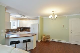 Photo 3: 2 689 PARK Road in Gibsons: Gibsons & Area Condo for sale (Sunshine Coast)  : MLS®# R2607792