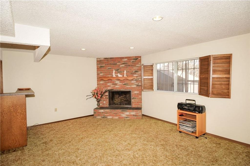 Photo 24: Photos: 52 BERKSHIRE Road NW in Calgary: Beddington Heights House for sale : MLS®# C4105449