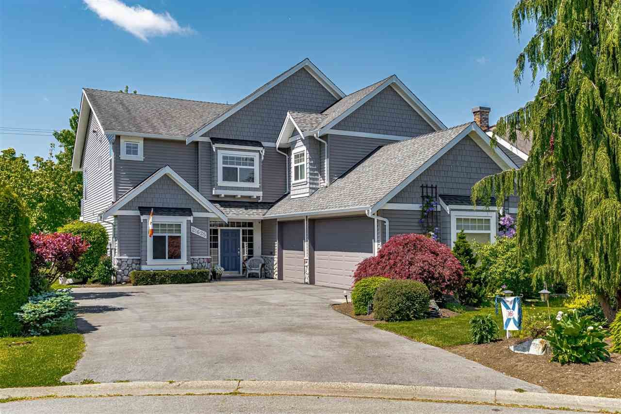 Main Photo: 21625 45 Avenue in Langley: Murrayville House for sale : MLS®# R2584187