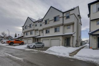 Photo 2: 17 Copperfield Court SE in Calgary: Copperfield Row/Townhouse for sale : MLS®# A1056969