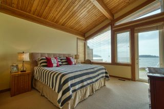 """Photo 14: 6499 WILDFLOWER Place in Sechelt: Sechelt District House for sale in """"Wakefield - Second Wave"""" (Sunshine Coast)  : MLS®# R2557293"""