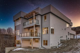 Photo 2: 458 Patterson Boulevard SW in Calgary: Patterson Detached for sale : MLS®# A1110582