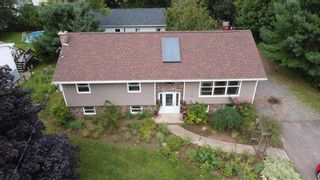 Photo 2: 38 Cloverleaf Drive in New Minas: 404-Kings County Residential for sale (Annapolis Valley)  : MLS®# 202122099