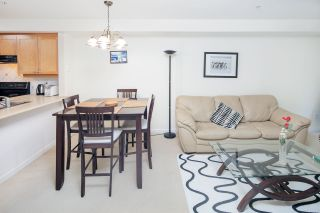 """Photo 9: 210 5605 HAMPTON Place in Vancouver: University VW Condo for sale in """"PEMBERLEY"""" (Vancouver West)  : MLS®# R2364341"""