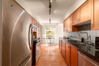 """Photo 9: 202 2181 W 12TH Avenue in Vancouver: Kitsilano Condo for sale in """"The Carlings"""" (Vancouver West)  : MLS®# R2579636"""
