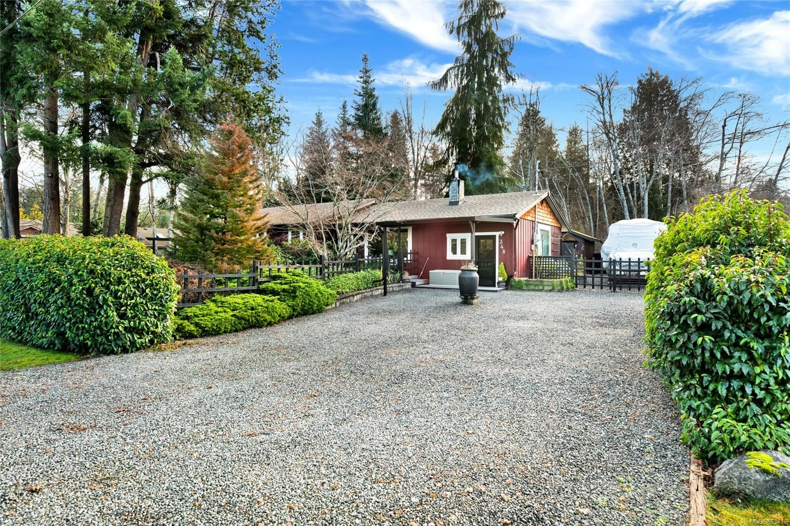Main Photo: 348 Mill Rd in : PQ Qualicum Beach House for sale (Parksville/Qualicum)  : MLS®# 863413