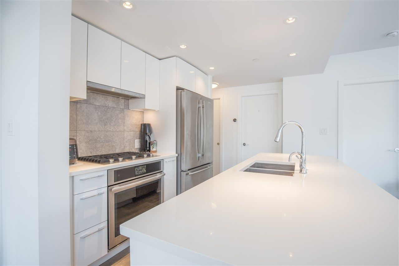 """Photo 4: Photos: 302 8538 RIVER DISTRICT Crossing in Vancouver: South Marine Condo for sale in """"ONE TOWN CENTRE"""" (Vancouver East)  : MLS®# R2430166"""