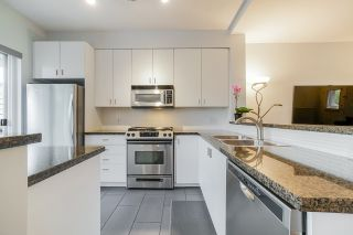 """Photo 8: 81 6878 SOUTHPOINT Drive in Burnaby: South Slope Townhouse for sale in """"CORTINA"""" (Burnaby South)  : MLS®# R2369497"""