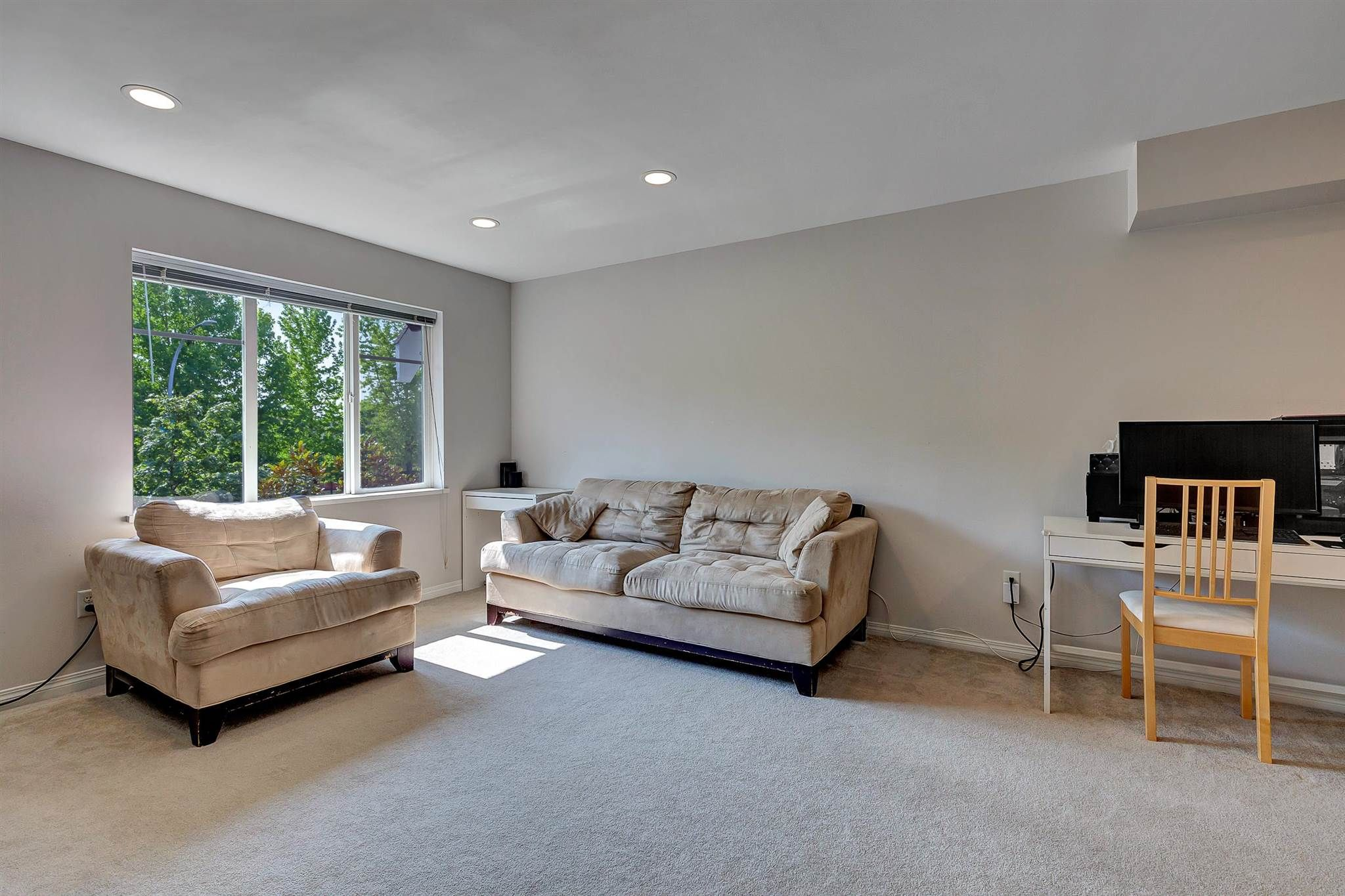 """Photo 7: Photos: 9 15871 85 Avenue in Surrey: Fleetwood Tynehead Townhouse for sale in """"Huckleberry"""" : MLS®# R2606668"""