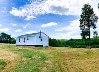 Photo 1: 643 Ridge Road in Falkland Ridge: 400-Annapolis County Residential for sale (Annapolis Valley)  : MLS®# 202020415