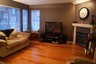 """Photo 2: 12 20761 DUNCAN Way in Langley: Langley City Townhouse for sale in """"WYNDHAM LANE"""" : MLS®# F1202420"""