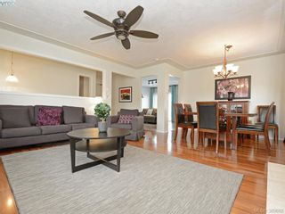 Photo 5: 4071 Santa Anita Ave in VICTORIA: SW Strawberry Vale House for sale (Saanich West)  : MLS®# 783110