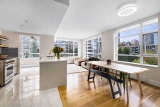Photo 1: 604 988 RICHARDS STREET in Vancouver: Yaletown Condo for sale (Vancouver West)  : MLS®# R2611073