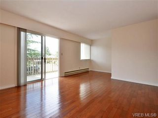 Photo 2: 19 3981 Nelthorpe St in VICTORIA: SE Swan Lake Row/Townhouse for sale (Saanich East)  : MLS®# 737341