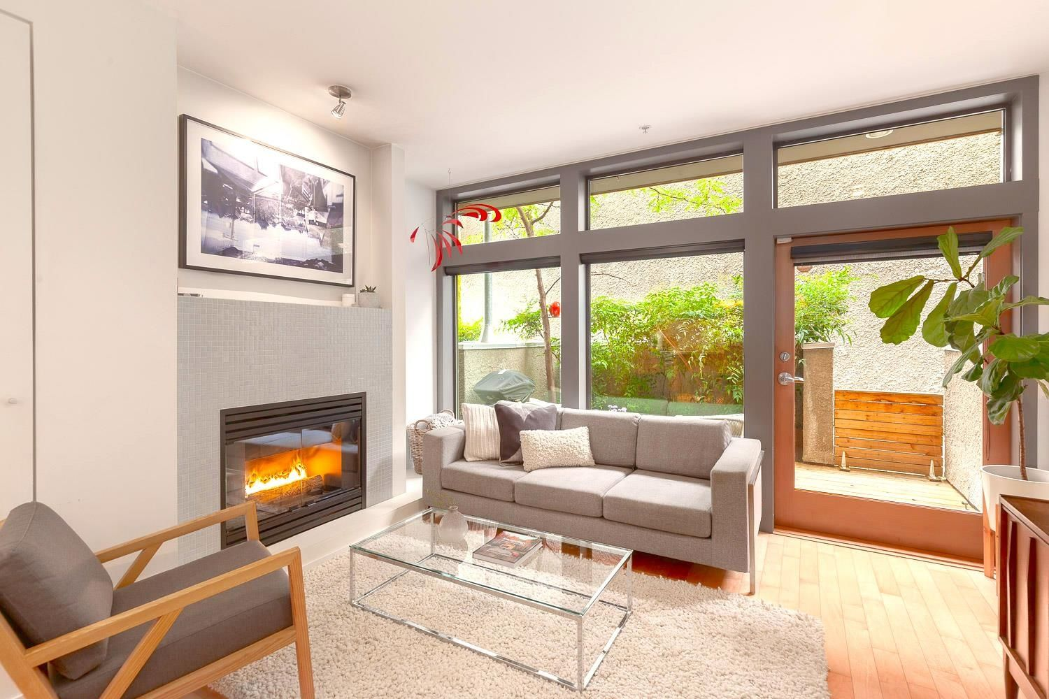 """Main Photo: 3121 PRINCE EDWARD Street in Vancouver: Mount Pleasant VE Townhouse for sale in """"PRINCE EDWARD RESIDENCES"""" (Vancouver East)  : MLS®# R2625202"""