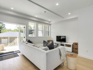 Photo 3: 116 W 14TH Avenue in Vancouver: Mount Pleasant VW Townhouse for sale (Vancouver West)  : MLS®# R2584601