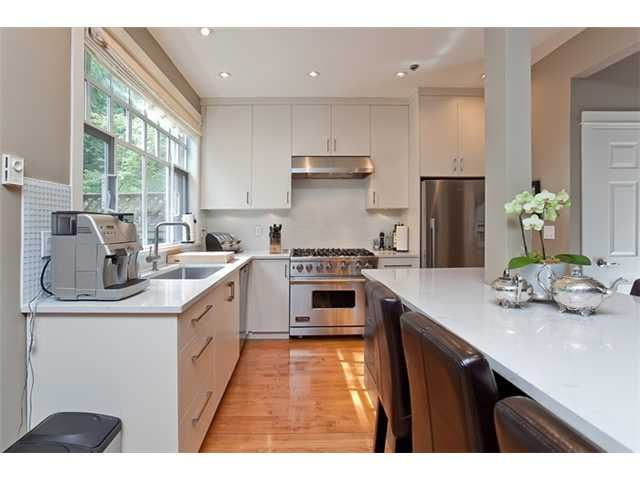 """Main Photo: 19 5880 HAMPTON Place in Vancouver: University VW Townhouse  in """"THAMES COURT"""" (Vancouver West)  : MLS®# V864065"""