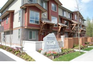 """Photo 2: 39 40653 TANTALUS Road in Squamish: Tantalus Townhouse for sale in """"TANTALUS CROSSING"""" : MLS®# R2446909"""