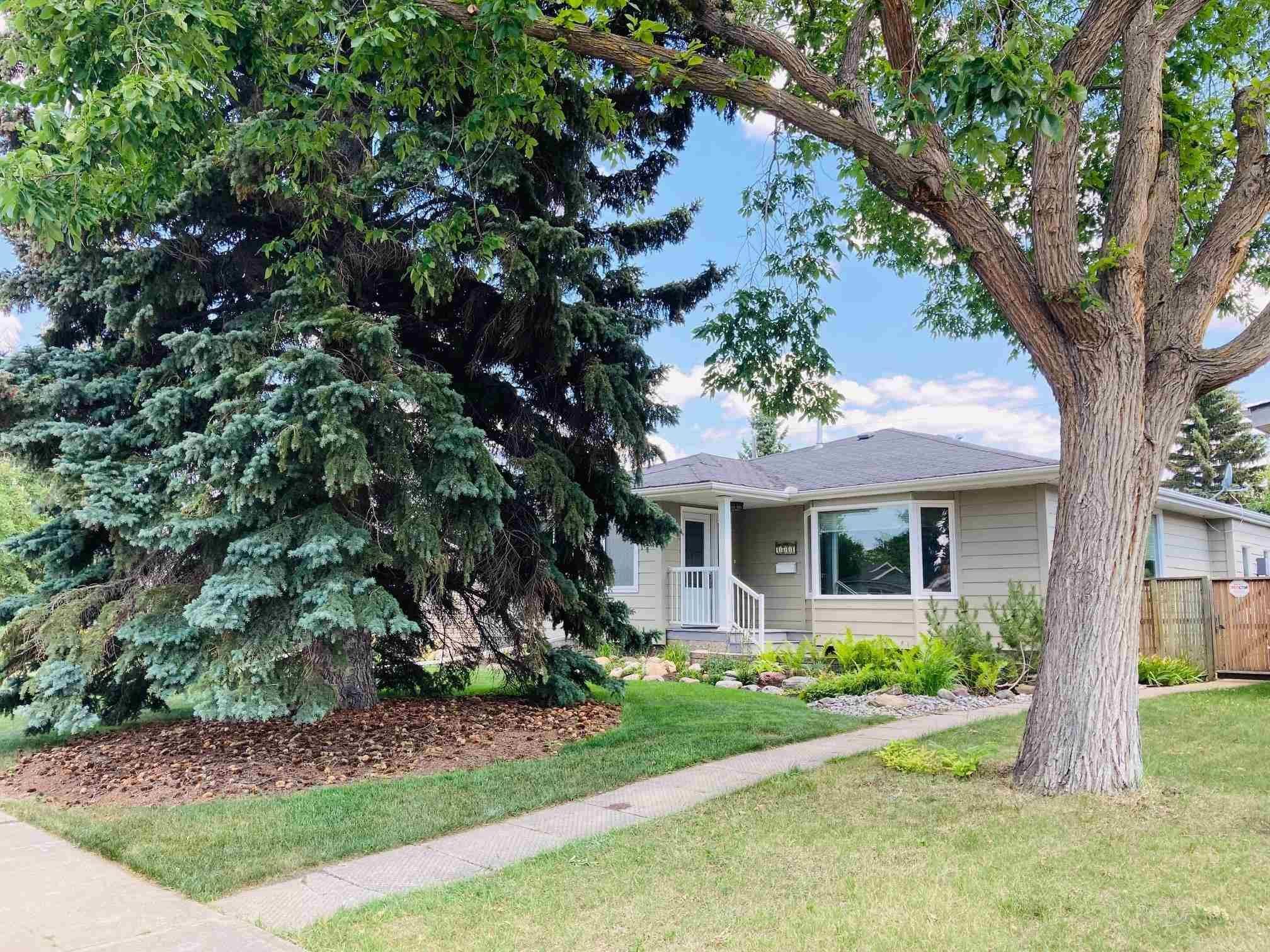 Main Photo: 4811 114B Street in Edmonton: Zone 15 House for sale : MLS®# E4255022