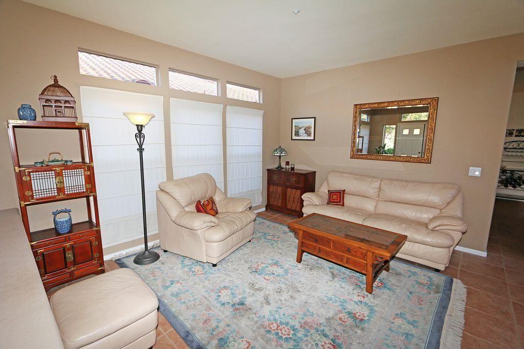 Photo 8: Photos: EAST ESCONDIDO House for sale : 5 bedrooms : 2329 fallbrook in Escondido