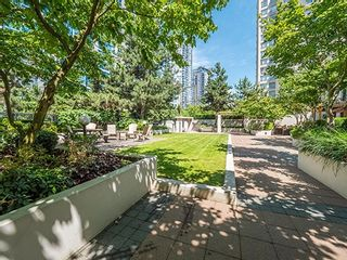 """Photo 11: 1902 1295 RICHARDS Street in Vancouver: Downtown VW Condo for sale in """"OSCAR"""" (Vancouver West)  : MLS®# R2190580"""