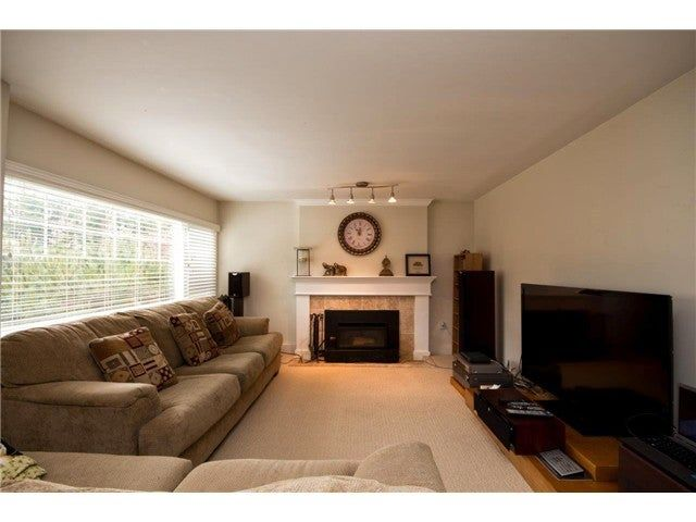 Photo 9: Photos: 780 Blythwood Drive in North Vancouver: Delbrook House for rent