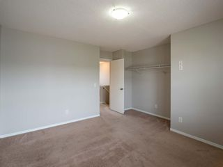 Photo 17: 326 Elgin Place SE in Calgary: McKenzie Towne Semi Detached for sale : MLS®# A1136926