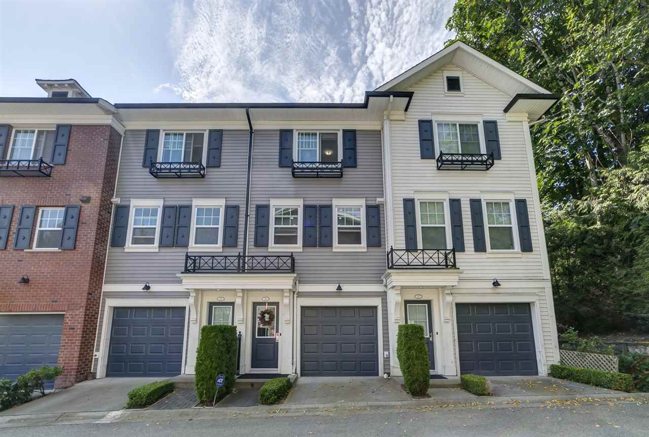 "Photo 1: Photos: 26 8767 162 Street in Surrey: Fleetwood Tynehead Townhouse for sale in ""Taylor"" : MLS®# R2482477"