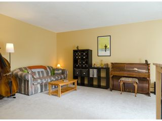 """Photo 4: 204 1544 FIR Street: White Rock Condo for sale in """"JUNIPER ARMS"""" (South Surrey White Rock)  : MLS®# F1412897"""