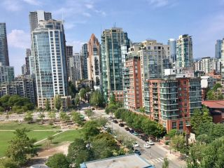 Photo 5: 1501 1383 MARINASIDE CRESCENT in Vancouver: Yaletown Condo for sale (Vancouver West)  : MLS®# R2195736