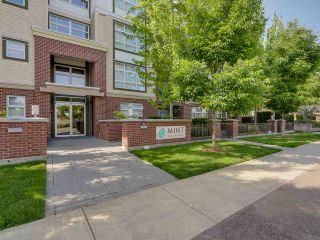 """Photo 12: 307 15168 19TH Avenue in Surrey: Sunnyside Park Surrey Condo for sale in """"The Mint"""" (South Surrey White Rock)  : MLS®# R2070329"""