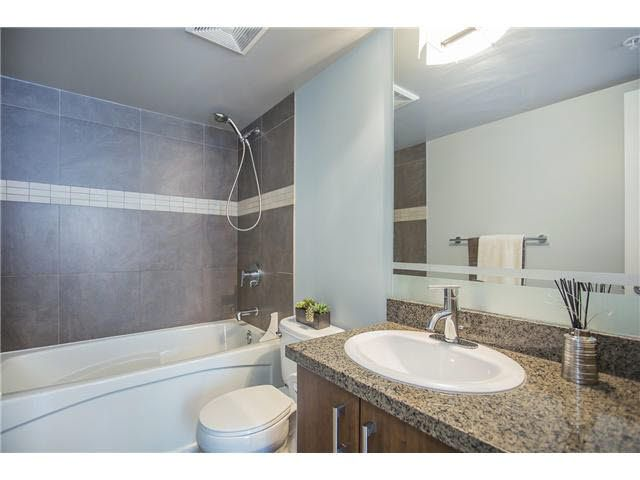"""Photo 9: Photos: 702 587 W 7TH Avenue in Vancouver: Fairview VW Condo for sale in """"AFFINITI"""" (Vancouver West)  : MLS®# V1118328"""