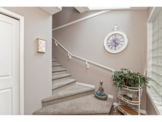 """Photo 3: 147 4001 OLD CLAYBURN Road in Abbotsford: Abbotsford East Townhouse for sale in """"CEDAR SPRINGS"""" : MLS®# R2555932"""