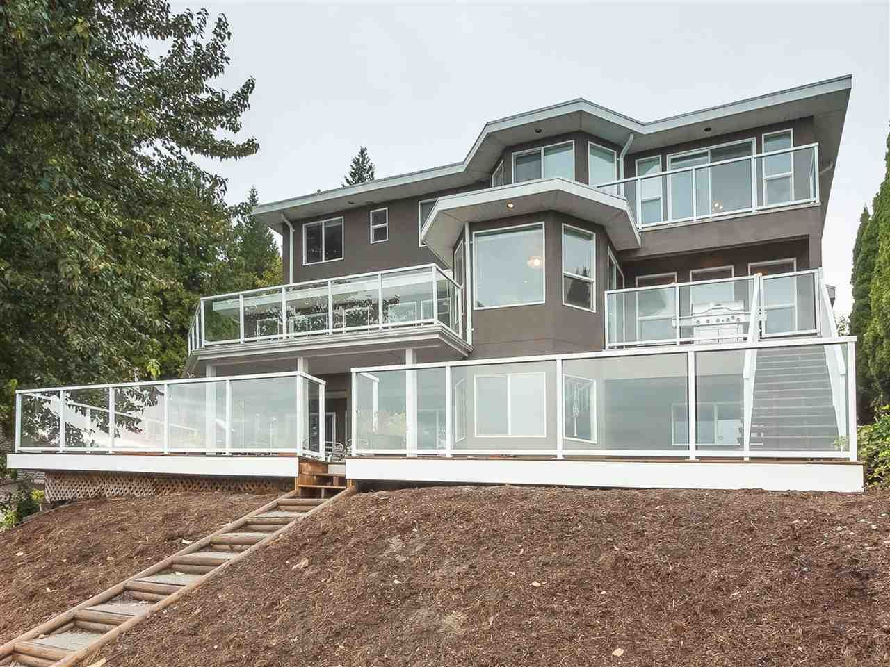 Main Photo: 35591 DINA Place in Abbotsford: Abbotsford East House for sale : MLS®# R2426013
