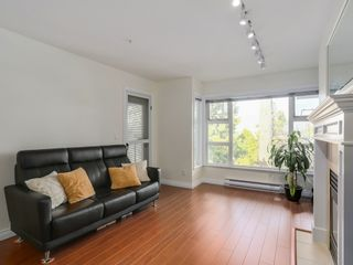 Photo 4: 308 988 West 54th Avenue in Hawthorne House: South Cambie Home for sale ()  : MLS®# R2040205