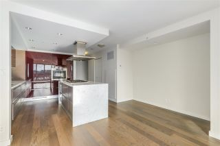 Photo 8: 1103 8 SMITHE MEWS in Vancouver: Yaletown Condo for sale (Vancouver West)  : MLS®# R2341807