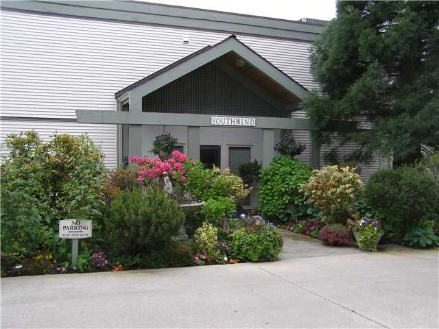 """Photo 2: Photos: 304 5780 TRAIL Avenue in Sechelt: Sechelt District Condo for sale in """"THE BLUFF-SOUTHWIND"""" (Sunshine Coast)  : MLS®# V834780"""