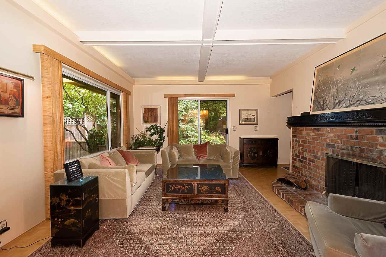 Photo 3: Photos: 1950 NANTON Avenue in Vancouver: Quilchena House for sale (Vancouver West)  : MLS®# R2414267
