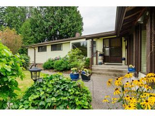 Photo 2: 19746 49 Avenue in Langley: Langley City House for sale : MLS®# R2493431